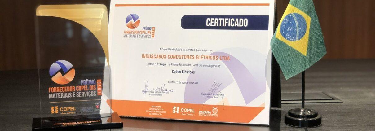 Troféu e certificado Induscabos prêmio COPEL 2020